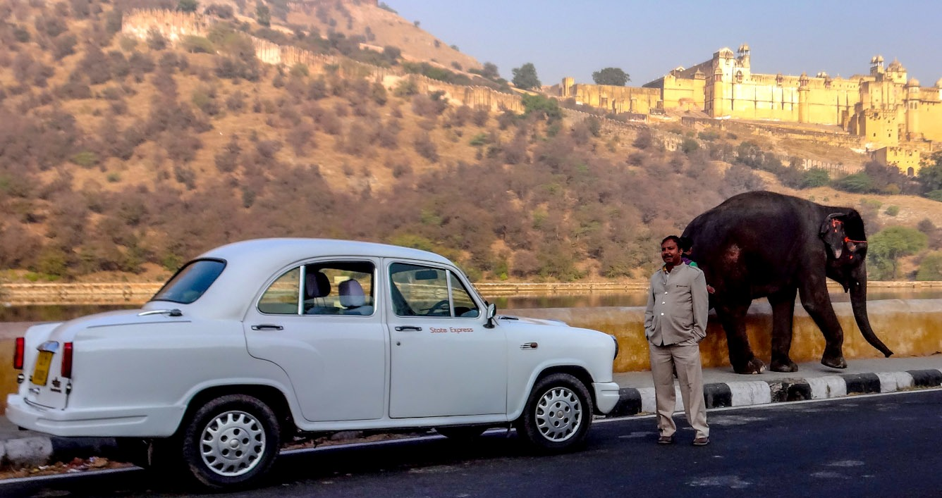 amber-palace-and-our-ambassador-car